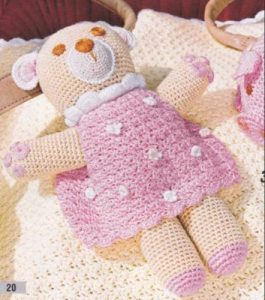 Amazon.fr - Hello Kitty Crochet: Supercute Amigurumi Patterns for ... | 300x265